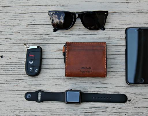 "Slim Leather Wallet超薄充电式钱包—让您的iPhone 6s""满血复活"""
