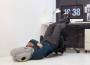Ostrich Pillow鸵鸟枕 戴上它你可以与世隔绝的睡一觉
