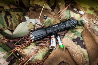 纳丽德 多电池兼容 TA15 战术手电