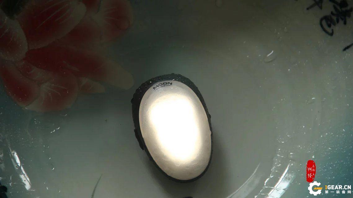 温婉如月暖人心—XTAR RC2 MOON 便携灯体验报告