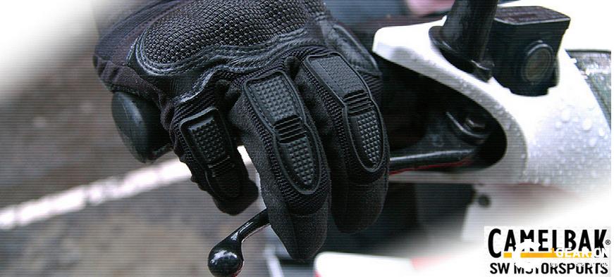Camelbak多用途战术手套 堪称户外装备中最强有力的伙伴