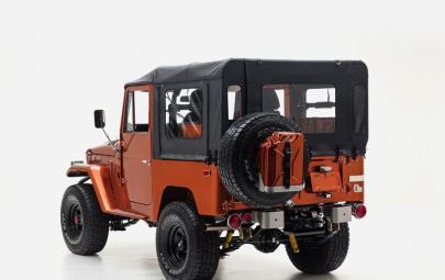 FJ推出定制版FJ40越野车 纯属硬派风格的户外装备