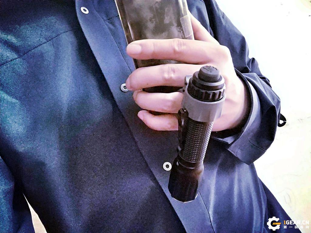打破束缚--纳丽德FR1战术手电环简测