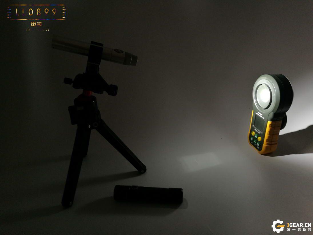 文玩必备NITECORE白光文玩桶GEM10、365nm紫外桶GEM10UV评测