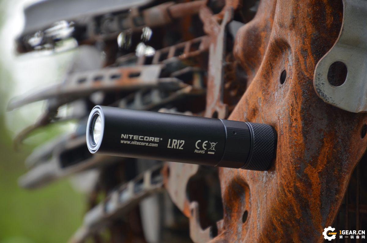在黑夜里点一盏希望的灯——NITECORE LR12双模式手电体验